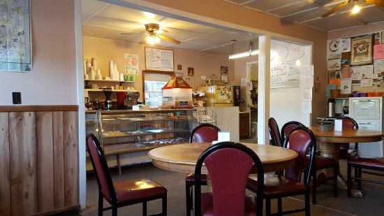 White Cloud, MI: Inside at Maike's