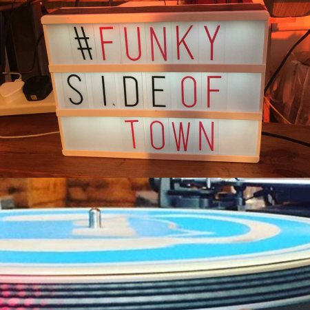 Barking, UK: Weekly DJ's spinning their vinyl