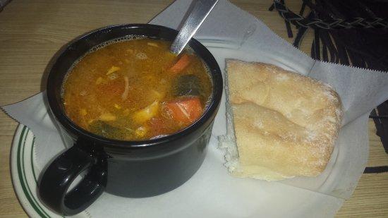 Уотсонвилль, Калифорния: Excellent turkey soup!!