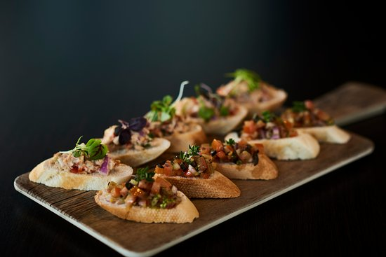 Taylors Lakes, ออสเตรเลีย: Function Menu- Mini Bruschetta on Toast