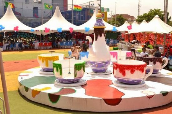 Lagos State, Nigeria: ALI BROTHERS AMUSEMENT RIDES COFFEE CUP GAME