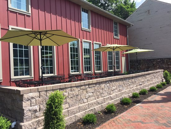 Hollidaysburg, PA: Outdoor patio seating in front of Liberty Hall