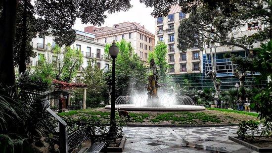 Plaça Gabriel Miró