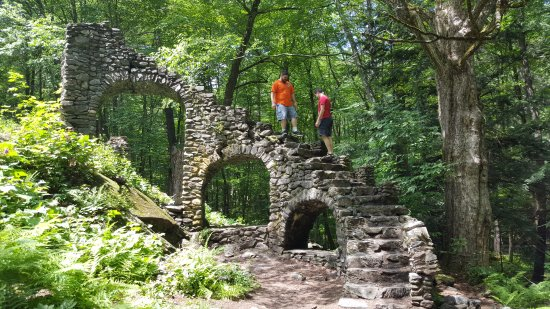 West Chesterfield, Nueva Hampshire: Castle ruins