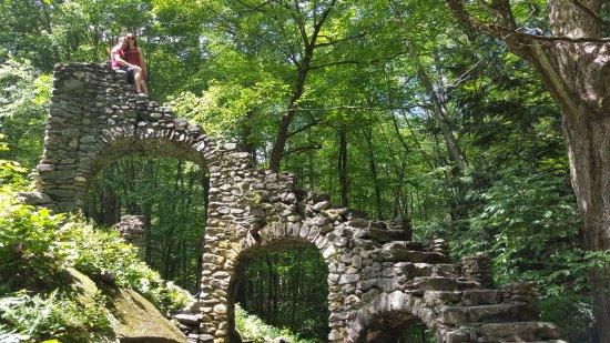 West Chesterfield, NH: Castle Ruins