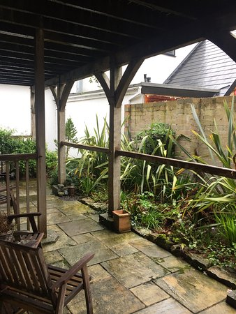 Abergele, UK: Lovely patio for the warmer weather