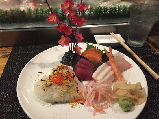 Burnsville, MN: Sashimi Salad