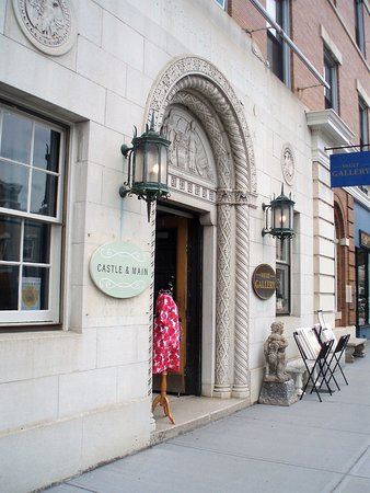 Great Barrington, MA: The Vault Gallery