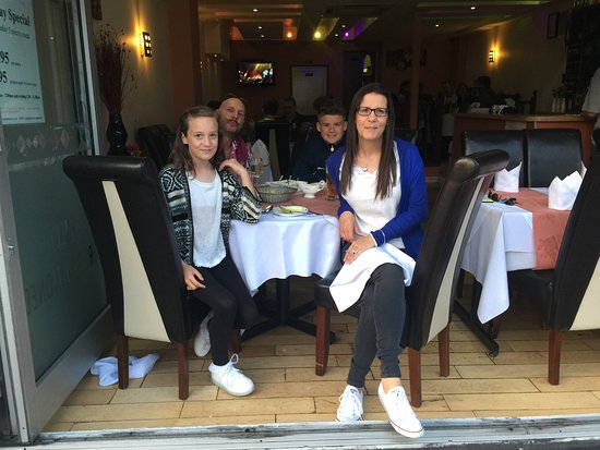 Burgess Hill, UK: Customers Dining.