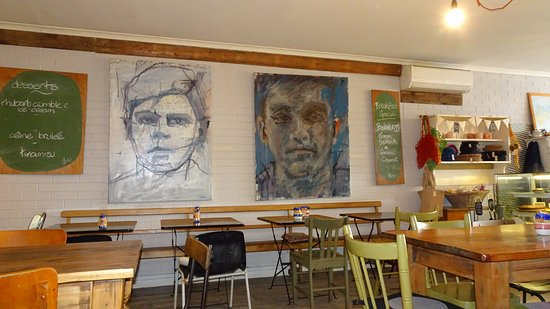 Normanville, Australien: Nice artwork on the walls