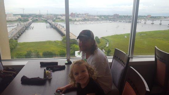 Holiday Inn Charleston Riverview: 20170718_093707_large.jpg