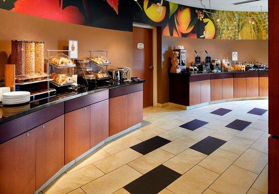 Cumberland, MD: Breakfast Buffet