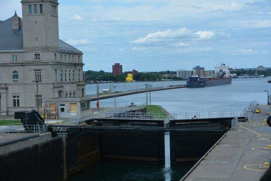 Sault Ste. Marie, MI: View from the platform - doors closing