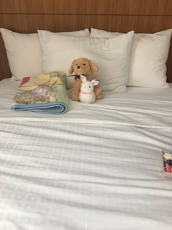 Hyatt Place Waikiki Beach: Bedding is perfectly