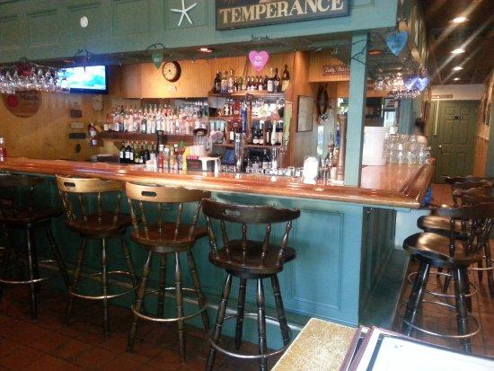 South Dennis, MA: Full Service Bar