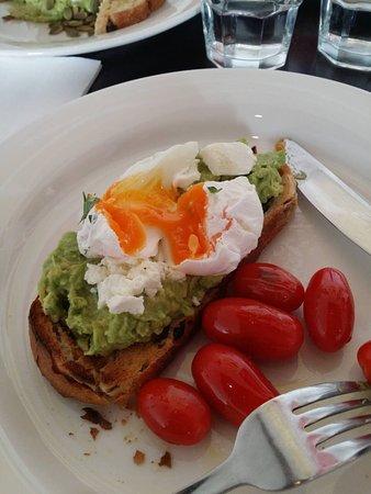 Brighton, Australien: Avocado on toast