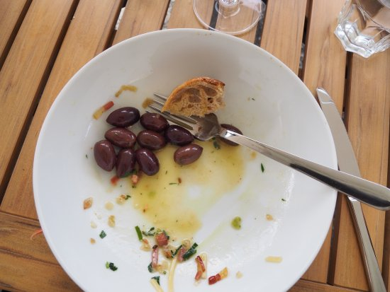 Lillooet, Canada : The linguine: everything eaten but the excess olives