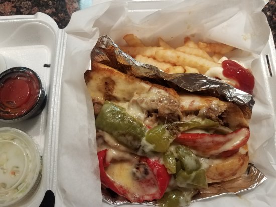 Elmhurst, IL : Wow! Great Italian Beef! Gyro sandwich was tasty. Menu is huge!!! Prices very good. They have lo