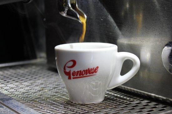 Red Peppa: Nice hot Genovese coffee