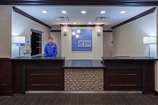 Glenpool, OK: Front Desk