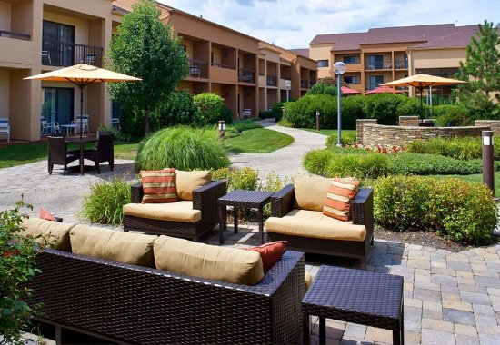 Oakbrook Terrace, IL: Outdoor Experience