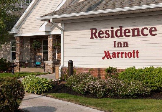 Marlborough, MA: Entrance