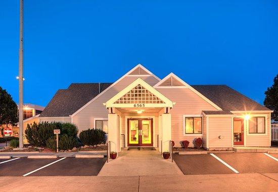 Greenwood Village, CO: Entrance