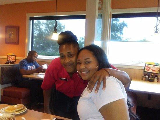 Oxford, ألاباما: Miss Amy our Waitress