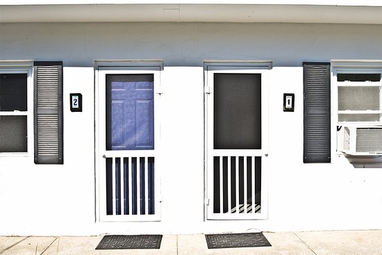 Easterner Motel: Each room has a new screen door, allowing in even more fresh air.