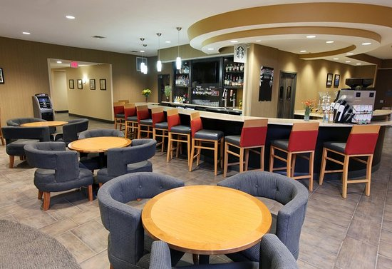 West Fargo, ND: Lobby Restaurant and Lounge