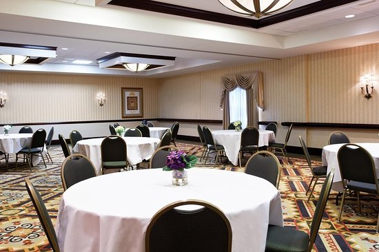 Chester, VA: Meeting Room w/ Round Tables