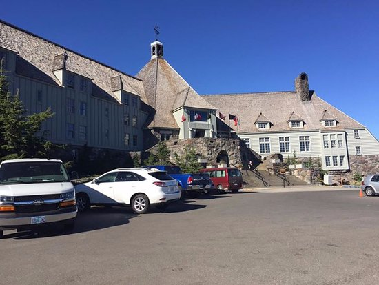 Timberline Lodge, OR: Frontage view