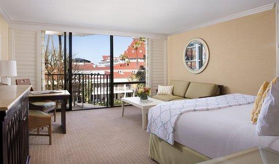 Hotel La Jolla, Curio Collection by Hilton: Ocean Towers Resort Room