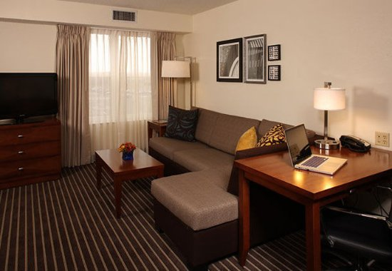 Holtsville, NY: Studio Suite