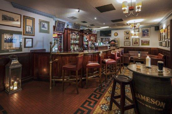Cassidys Hotel: Grooms Bar