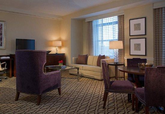 Peoria, IL: One-Bedroom Suite – Living Area