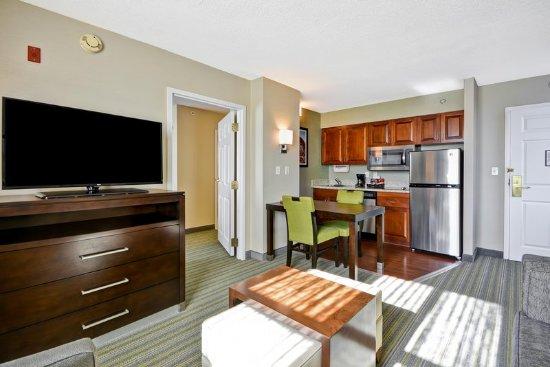 Herndon, VA: Suite Living Room and Kitchen