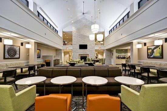 Herndon, VA: Comfotable Soft Seating