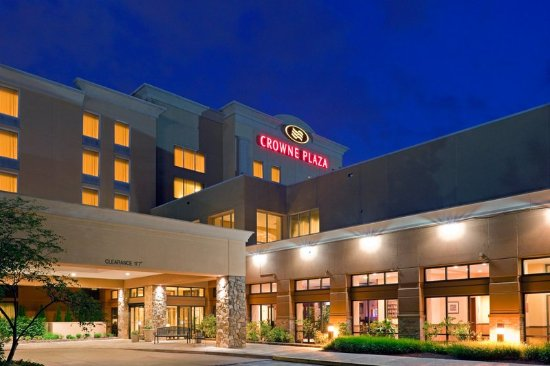 Welcome to the Crowne Plaza  located in beautiful Bucks County