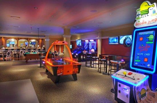 Hot Springs, VA: Gaming Area at Down Time