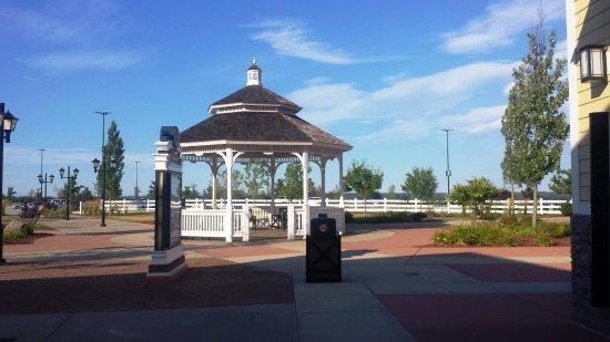 Merrimack Premium Oulets: Lugar gostoso para descansar