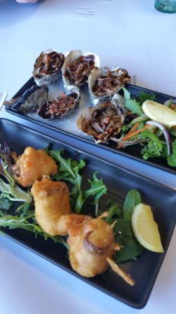 Eaglehawk Neck, Australia: Tempur Scallops and Oyster Kilpatrick