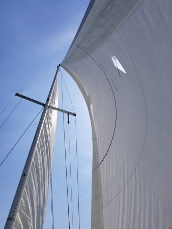 West Vancouver, Canada: Mainsail and jib