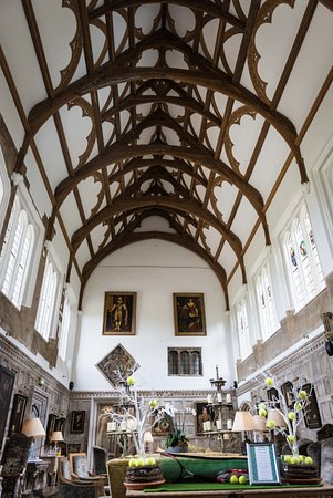 Fawsley, UK: The Great Hall which is a wonderful place to relax and enjoy high tea.