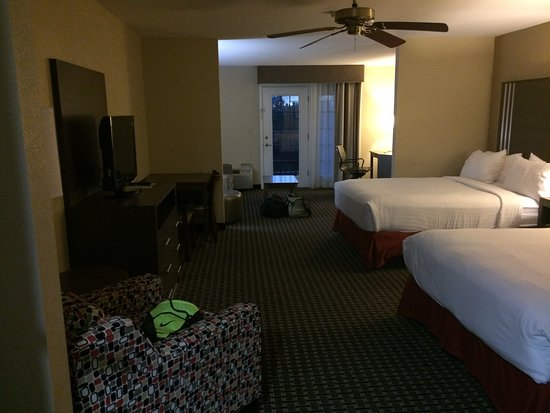 Holiday Inn Express Hotel & Suites: Room 327