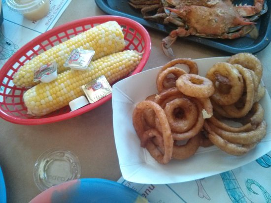 Harris Crab House: Corn on the cob and onion rings