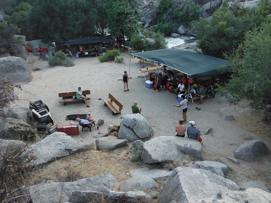 Wofford Heights, CA: Campsite on the river