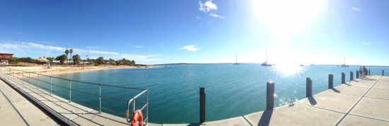 Monkey Mia, Avustralya: pano from the jetty in the middle of winter.