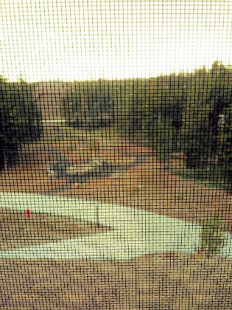 Canyon Lodge and Cabins : view from room 1336 (through a screen)