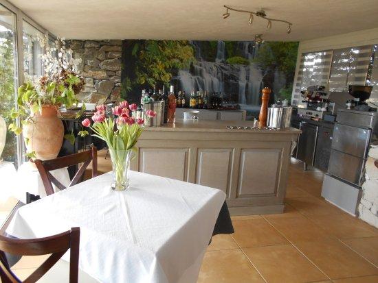 Cotignac, França: coté bar